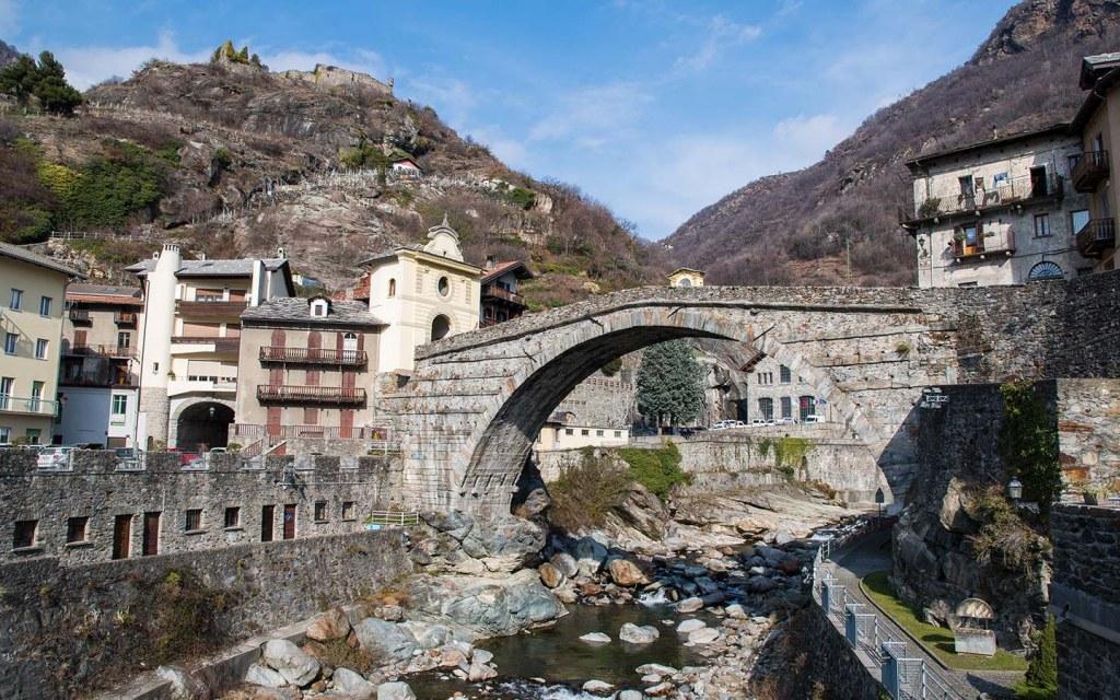 arch bridges are the oldest types of bridges