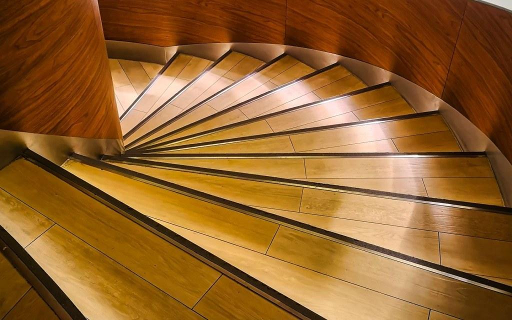 Illuminate Railing on Stairway