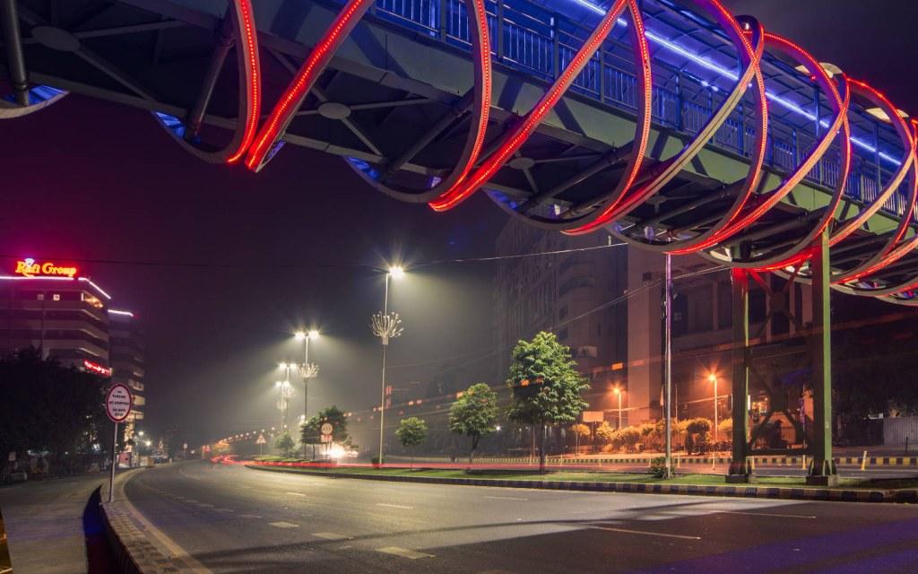 signal free corridor of main boulevard gulberg