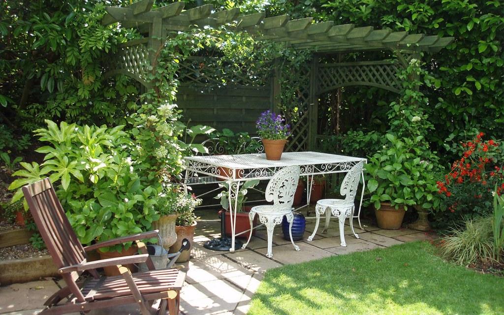 Make a Shady Outdoor Retreat